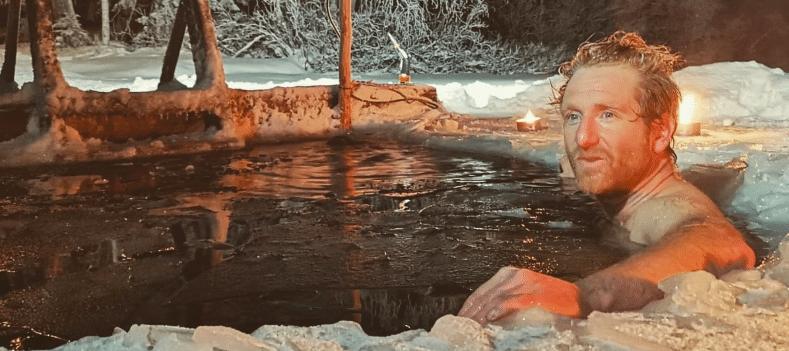 Koen in een wak in Finland
