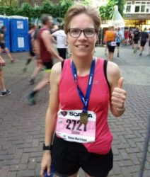 Zo liep ik - 20 maanden na mijn eerste hardlooprondje in de wijk - mijn eerste halve marathon in een tijd van 1u44:26!